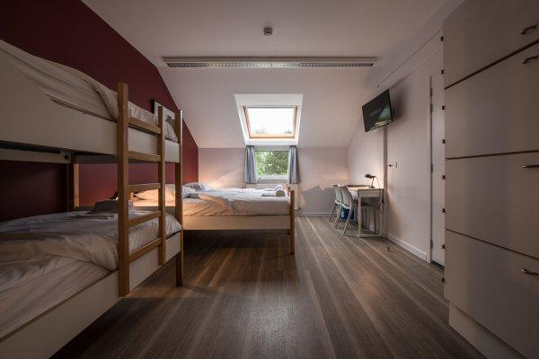 3 Fontaines Youth Hostel