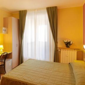 廉价旅馆 - Hotel Arco Romana