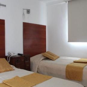 廉价旅馆 - Hotel La Santamaría