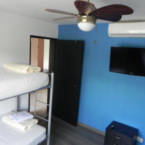 廉价旅馆 - Tamarindo Inn