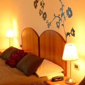 廉价旅馆 - Hotel Francesco