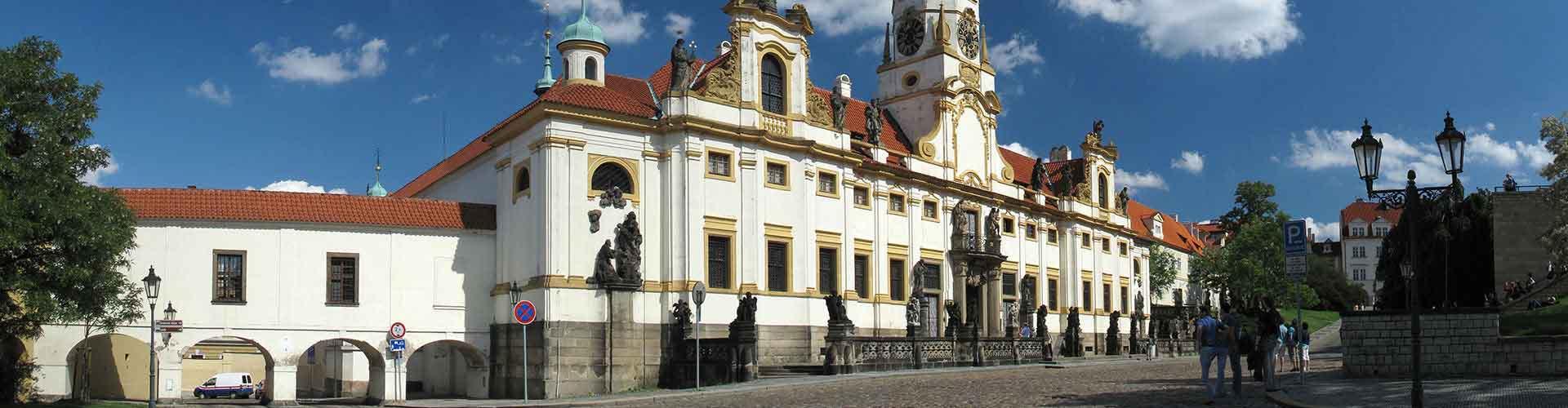 布拉格 – 罗瑞塔教堂 附近的青年旅舍。布拉格地图,布拉格 所有青年旅馆的照片和评分。