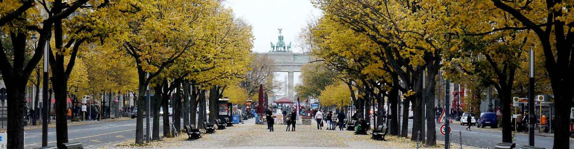 柏林 – 菩提树下 附近的青年旅舍。柏林地图,柏林 所有青年旅馆的照片和评分。