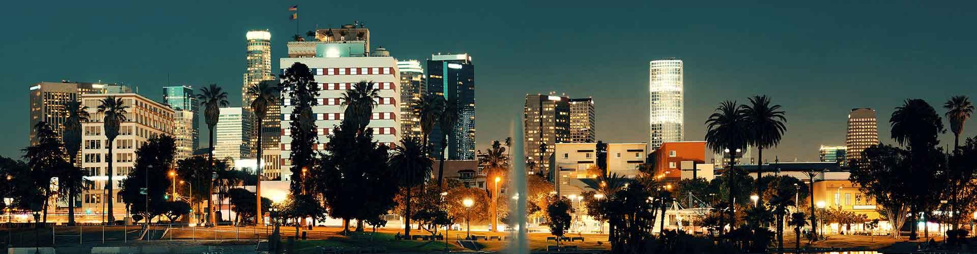 洛杉矶 – 好莱坞标志 附近的青年旅舍。洛杉矶地图,洛杉矶 所有青年旅馆的照片和评分。